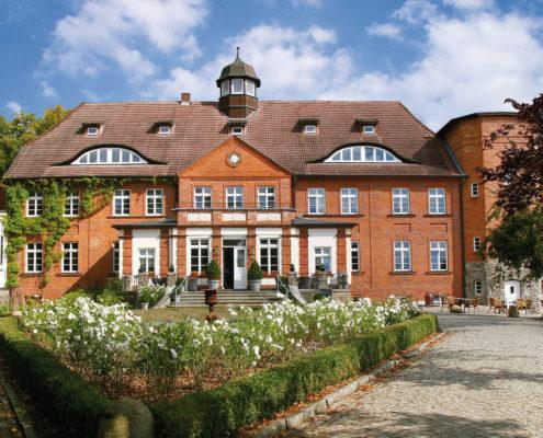 Herrenhaus Vogelsang Front, (c) Sphinx ET Dr. Robert Uhde