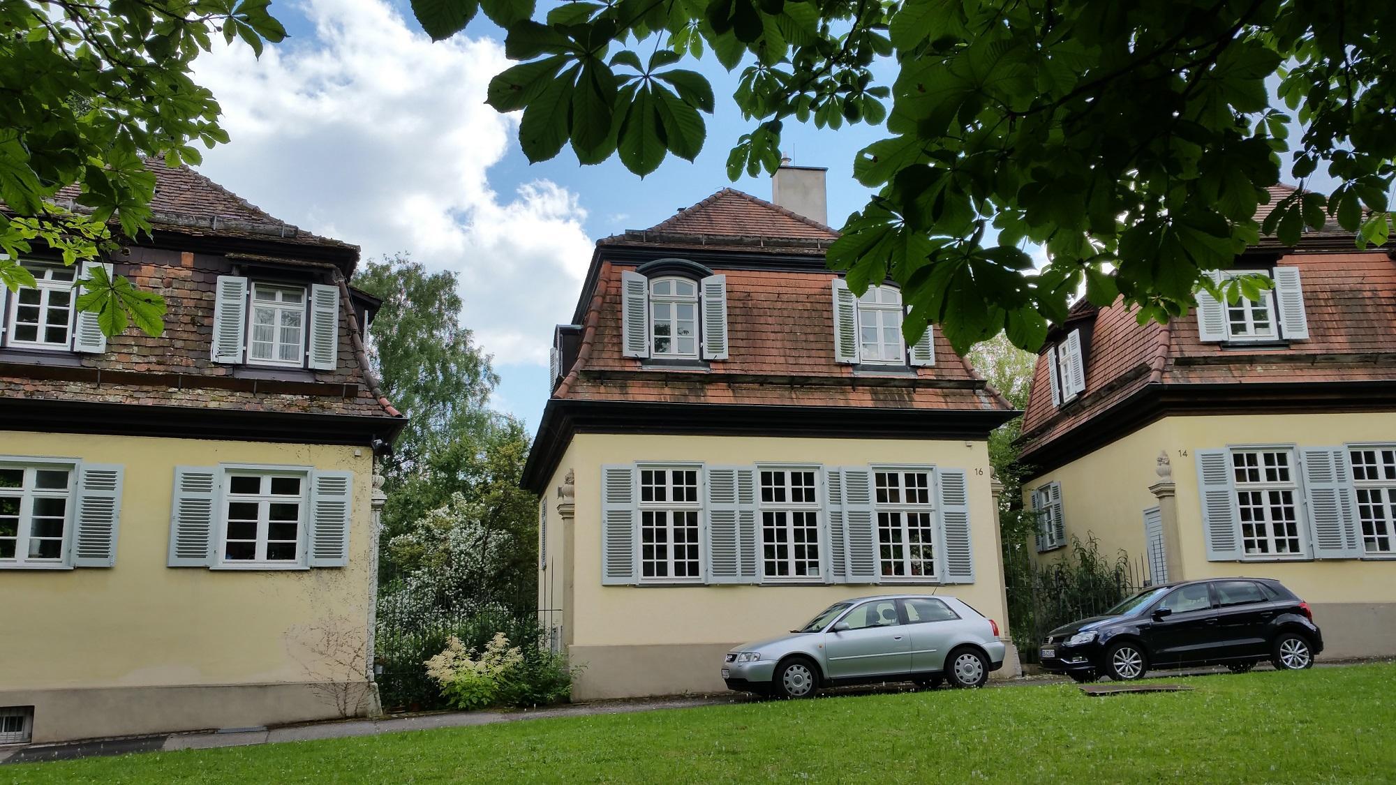 Kavaliershäuschen auf Schloss Solitude, Haus Nr. 16 wurde von Familie Schiller bewohnt (c) Andrea Hahn | Text & Presse