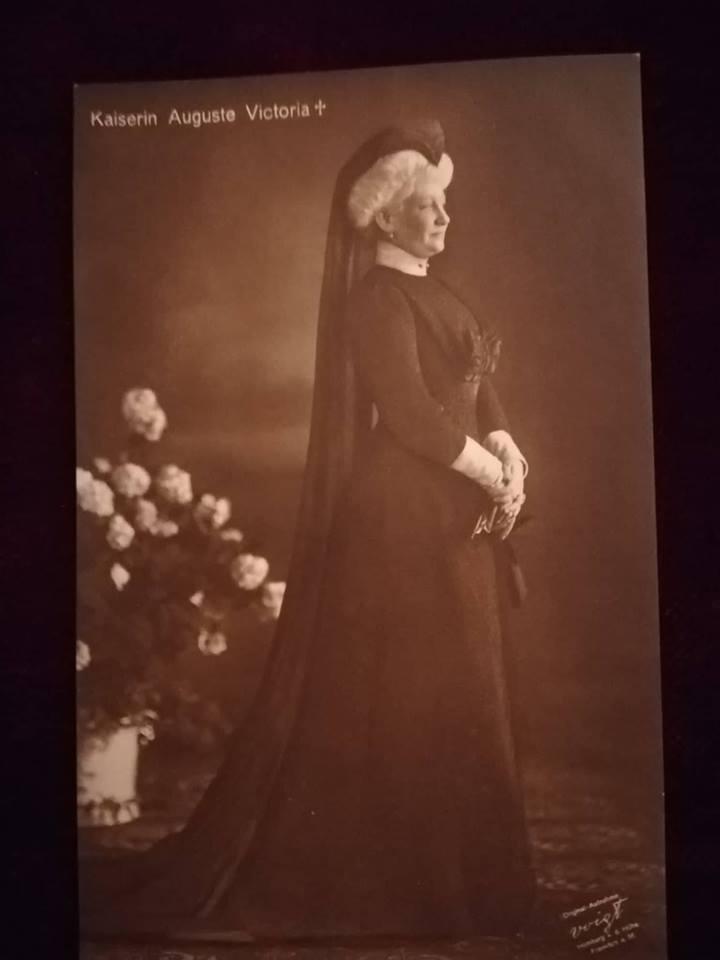 Kaiserin Auguste Victoria 1910, in Trauer um Prinzessin Feodora (c) Photo Archiv Thomas Weiberg