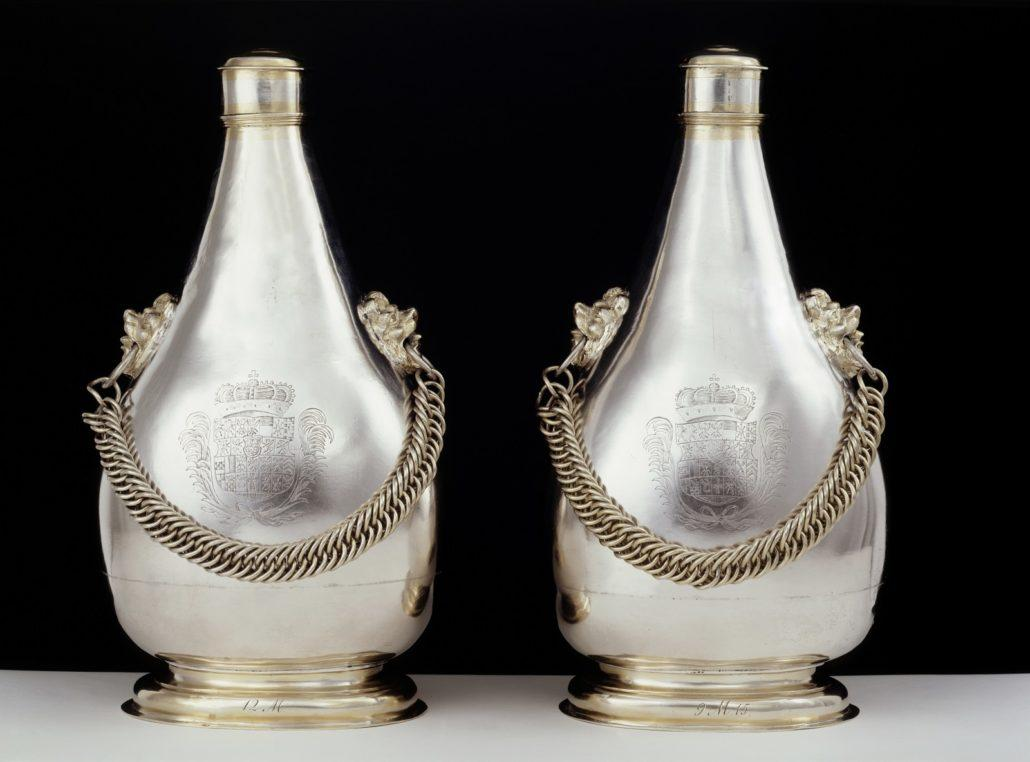 Zwei Kettenflaschen, vor 1681, (c) SPSG, Jörg P. Anders